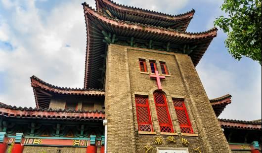 Chrześcijaństwo w Chinach: pomiędzy wiarą, wolnością a polityką