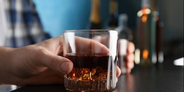 Uzależnienie od alkoholu – przyczyny, kontekst społeczny, wyniki badań (podcast)