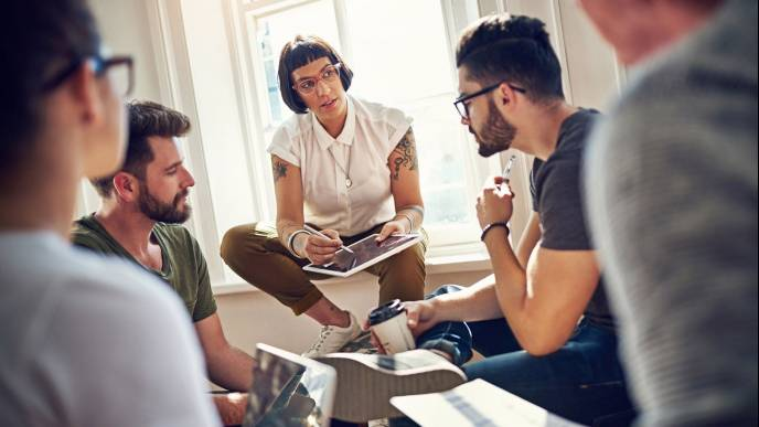 Samoorganizacja w zarządzaniu – jak budować efektywne zespoły? (podcast)